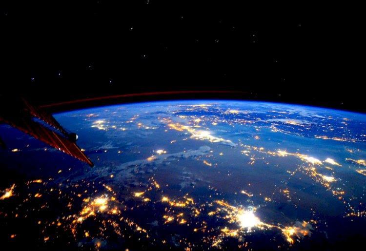В степи Казахстана совершил успешную посадку космический корабль