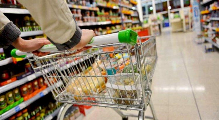 Аскар Мамин призвал жестко контролировать цены на продукты