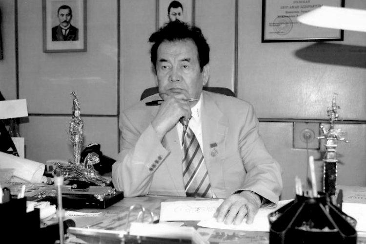 Ушел из жизни автор герба Казахстана