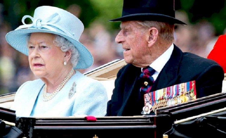 Королева Великобритании овдовела