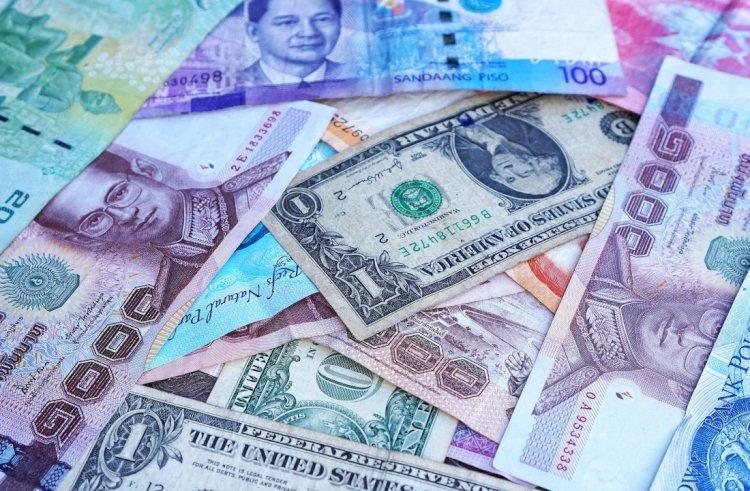 Какие валюты помимо тенге и рубля ослабли по отношению к доллару