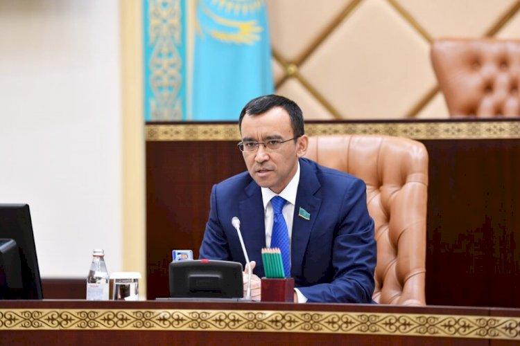 Маулен Ашимбаев: Пусть наша страна будет в безопасности и спокойствии!
