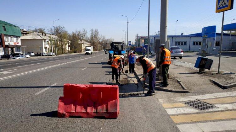 Дорожные работы в Алматы: горожан попросили корректировать свой маршрут