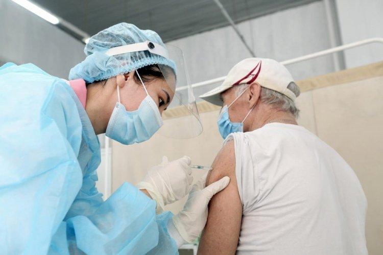 Сакен Амиреев: Вакцинация от COVID-19 проводится на добровольной основе