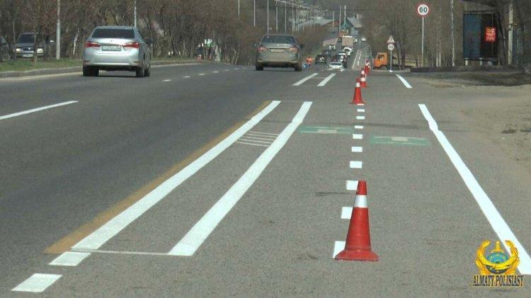 О необходимости интерактивных дорожных знаков рассказали в полиции Алматы