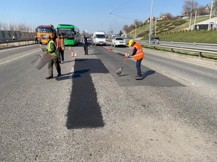 В Алматы проводится масштабный ремонт улично-дорожной сети