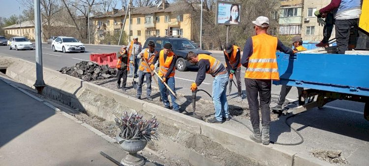 В Алматы продолжается текущий ремонт улиц