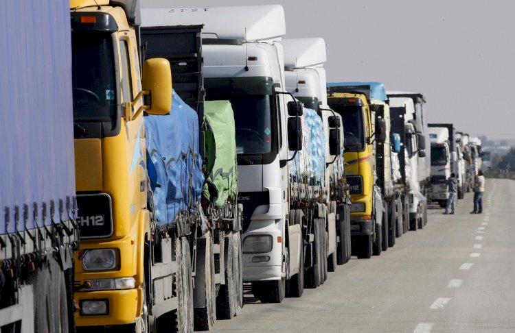 Около 250 грузовиков скопилось на пограничных переходах Казахстана