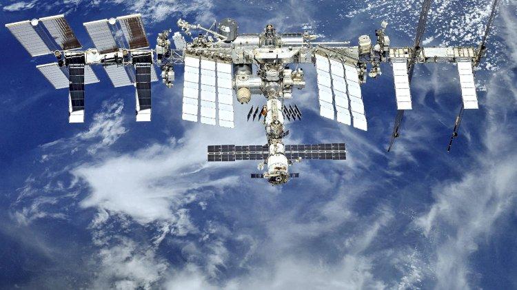 Привитый от коронавируса экипаж отправится на МКС