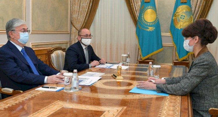 Глава государства принял министра информации и общественного развития Аиду Балаеву