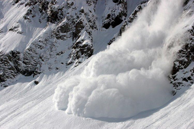 Спасатели предупредили алматинцев о возможном сходе лавин