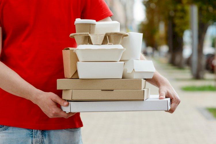 Всемирно известный баритон переквалифицировался в доставщика еды