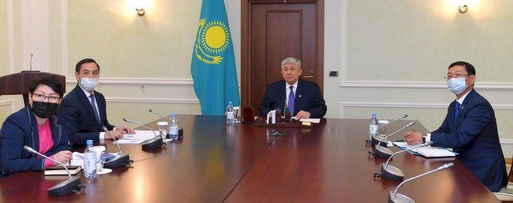 Крымбек Кушербаев провел заседание комиссии по вопросам госсимволов