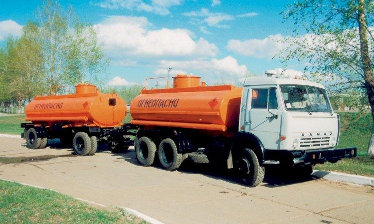 В Казахстане вводят запрет на экспорт нефтепродуктов автотранспортом