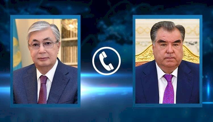 Президенты Казахстана и Таджикистана поговорили по телефону