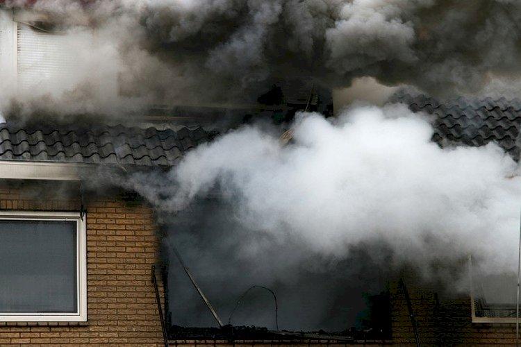 Пожар произошел в восьмиэтажном жилом доме в Алматы