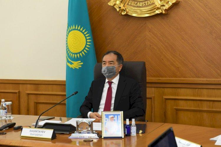 Бакытжан Сагинтаев поздравил казахстанцев с Днем защитника Отечества