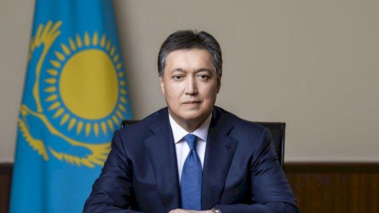 Аскар Мамин поздравил казахстанцев с Днем защитника Отечества