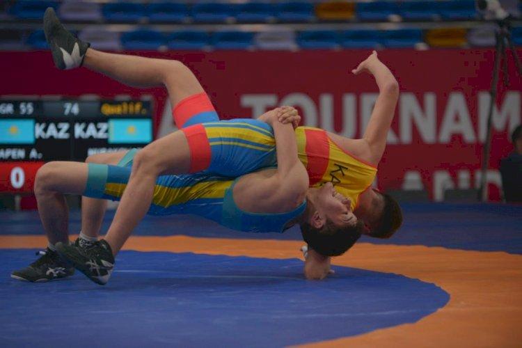 В столице Казахстана стартовал международный турнир по греко-римской борьбе