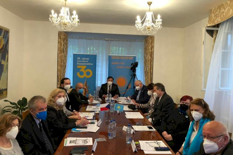 О многонациональной политике Казахстана говорили в Праге