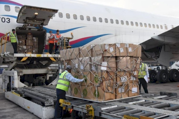 Казахстан доставил в Индию гуманитарную помощь для борьбы с коронавирусом