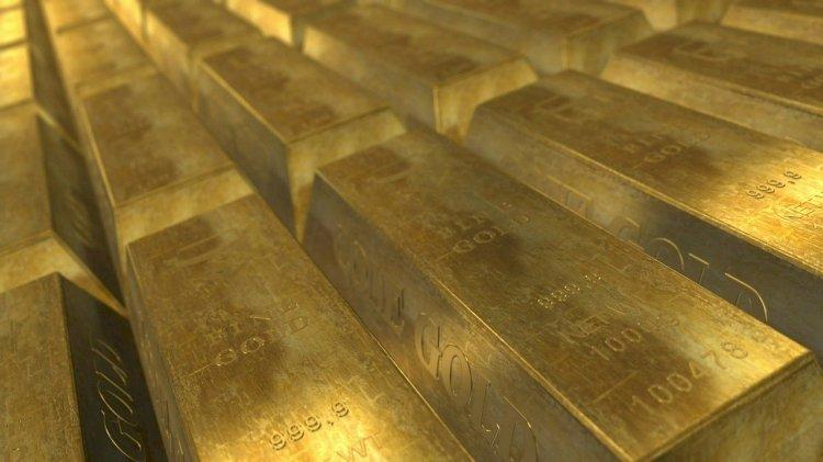 Почти 95 килограммов золота приобрели казахстанцы в апреле
