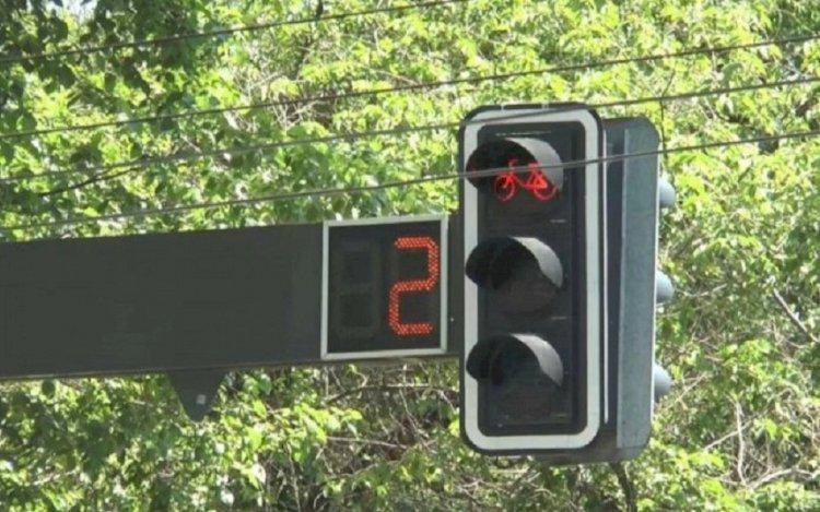 Как работают новые светофоры в Алматы, рассказали в полиции