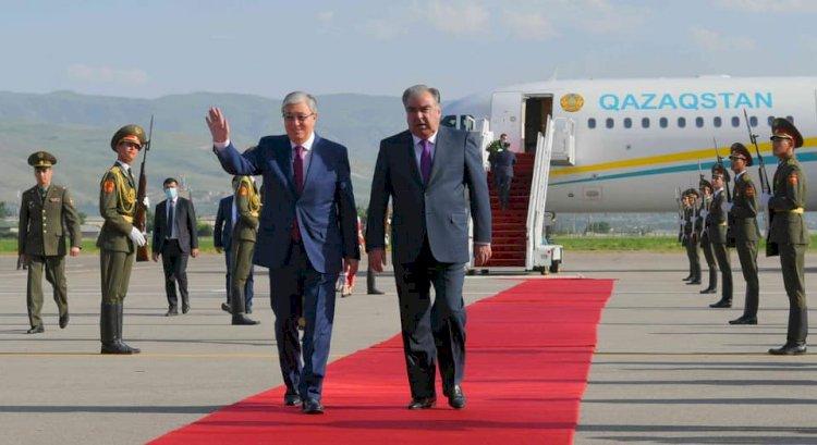 Касым-Жомарт Токаев прибыл в Душанбе