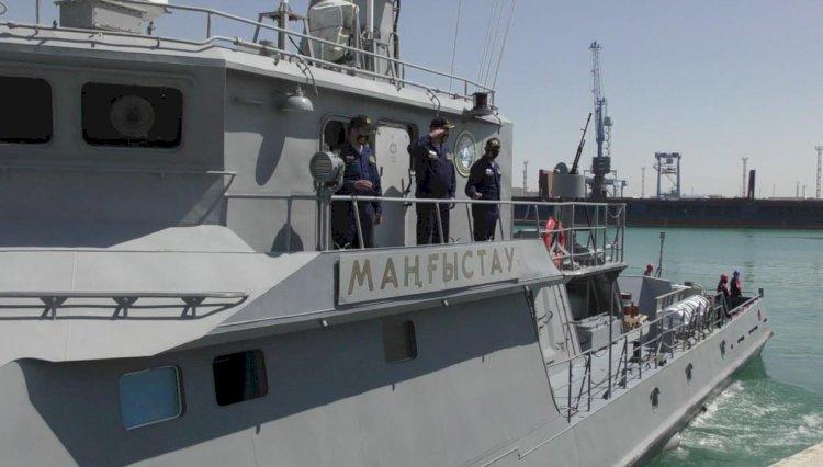 Военно-морские учения Казахстана и России проходят на Каспии