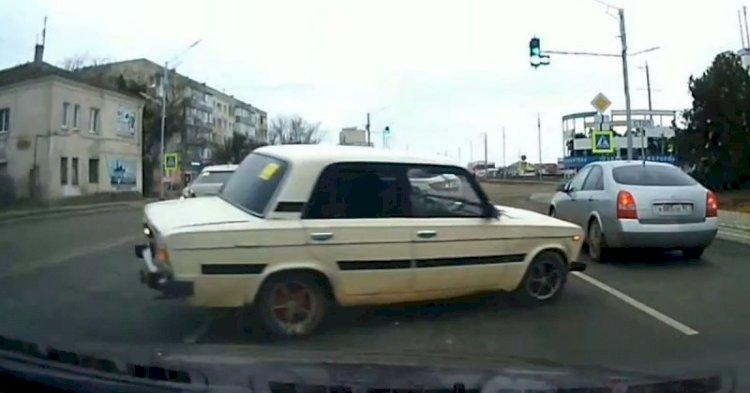 Выпил, избил жену и угнал такси житель Алматинской области