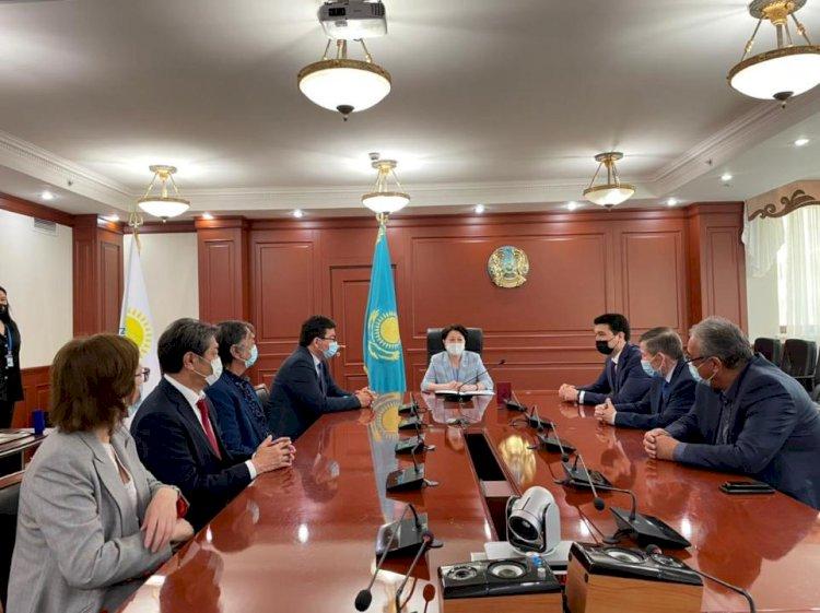 В Казахстане наградили деятелей культуры