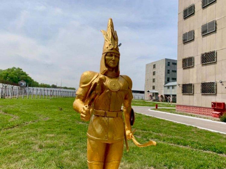 Осужденные отреставрировали скульптуры в СИЗО Алматы