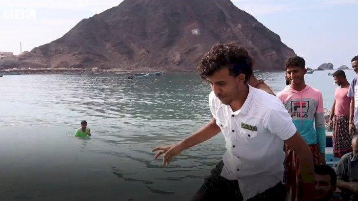 Целое состояние обнаружили в туше кита йеменские рыбаки