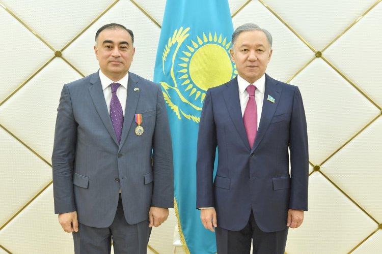 Нурлан Нигматулин принял  главу дипмиссии Азербайджана Рашада Маммадова