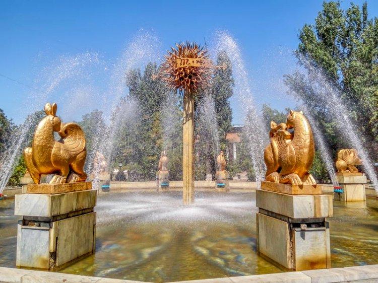Алматинскому фонтану «Восточный календарь» вернули исторический облик