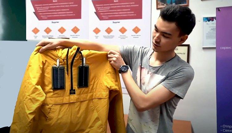 Студент факультета IT Арон Каратаев создал «умную» куртку