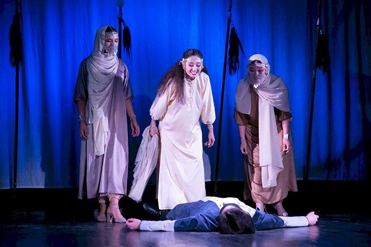 В театре «Жас Сахна» поставили спектакль, приуроченный к 85-летию  Олжаса Сулейменова