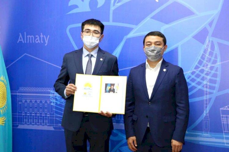 Молодые ученые пополнили ряды Nur Otan в Алматы
