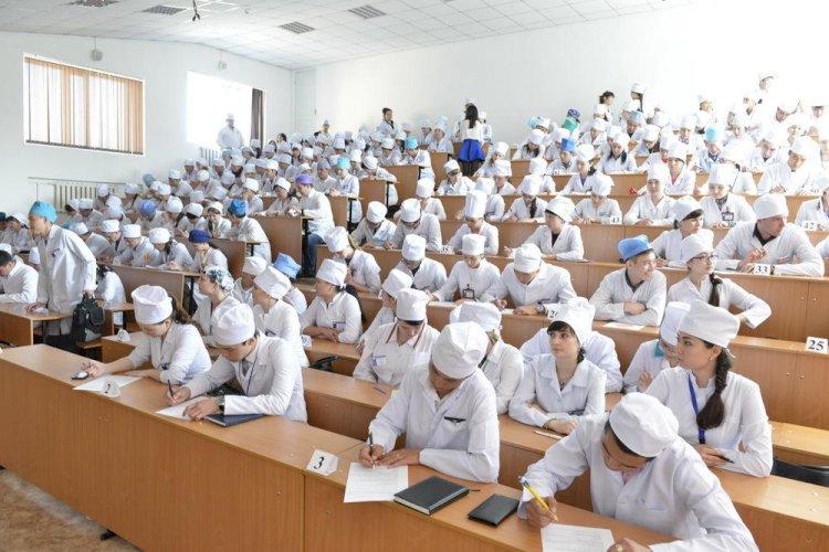 Студенты ликвидированного КазМУНО получат диплом в других профильных вузах