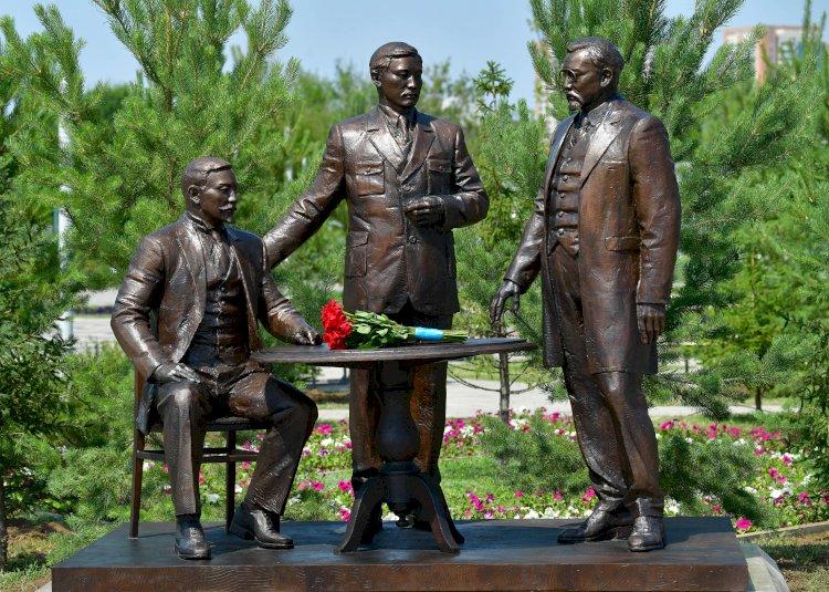 В Нур-Султане появился памятник лидерам движения «Алаш»