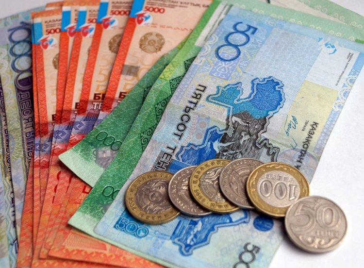 Казахстанцы набрали кредитов на 8,2 триллиона тенге