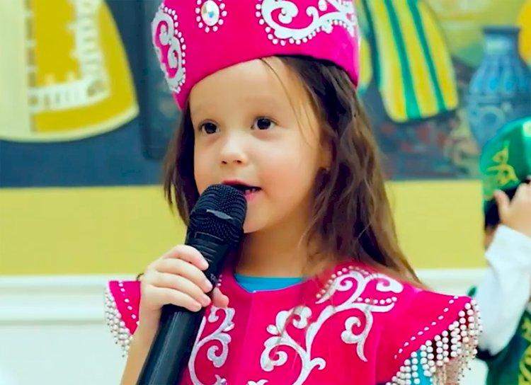 Шестилетняя Ляйсан Исмакова в новом клипе призывает защитить природу Казахстана