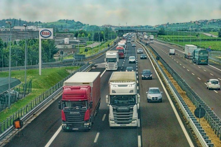 Более 370 грузовиков застряли на погранпереходах РК с сопредельными странами