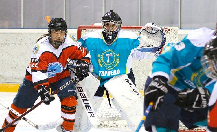 Алматинская женская хоккейная команда «Айсулу» продолжает подготовку к новому сезону
