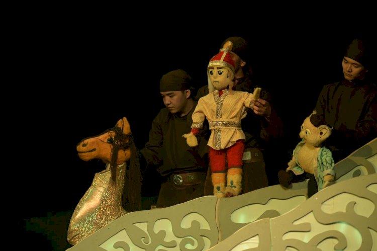 В Алматы состоялся благотворительный показ спектакля «Ер Тостик»