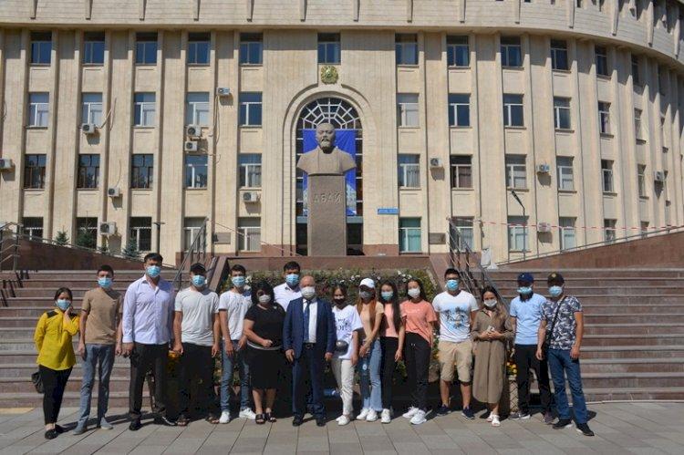 Победители розыгрыша призов акции по вакцинации против COVID-19 отдохнули на Капшагае