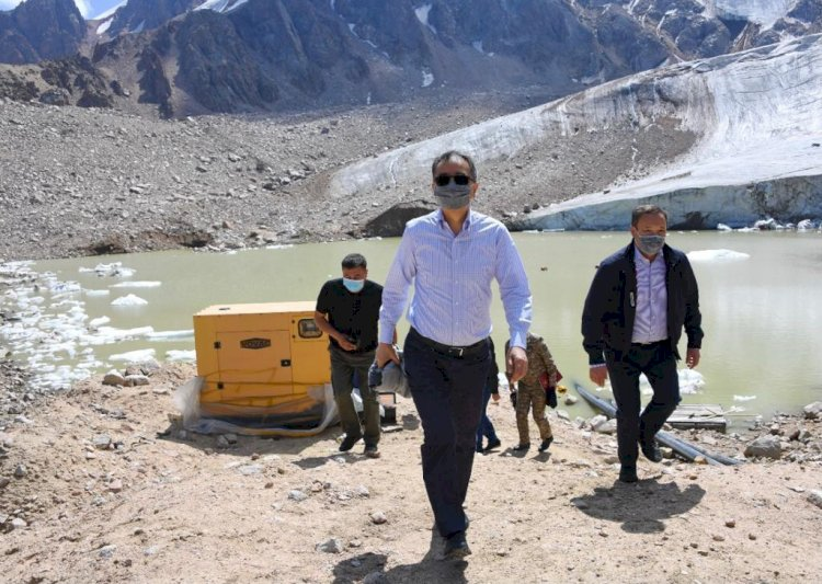 Бакытжан Сагинтаев проверил состояние моренных озер в горах Алматы