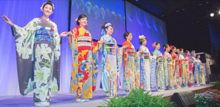 Японские дизайнеры подготовили уникальные кимоно для олимпийцев