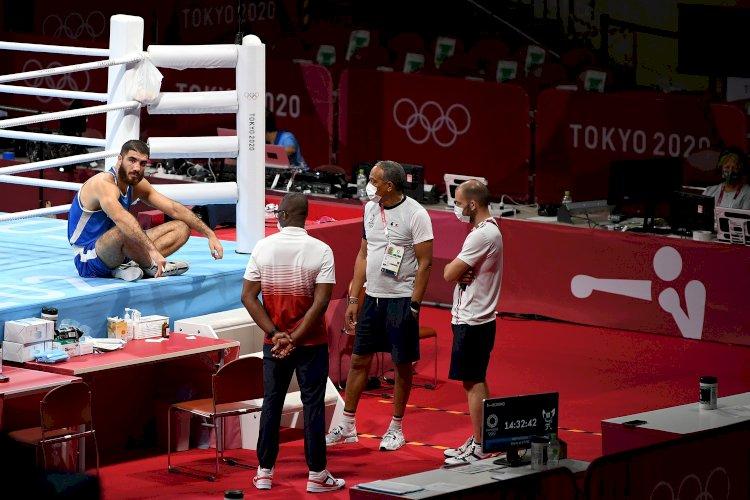 Курьезы Олимпиады: боксер устроил «сидячую забастовку» на ринге