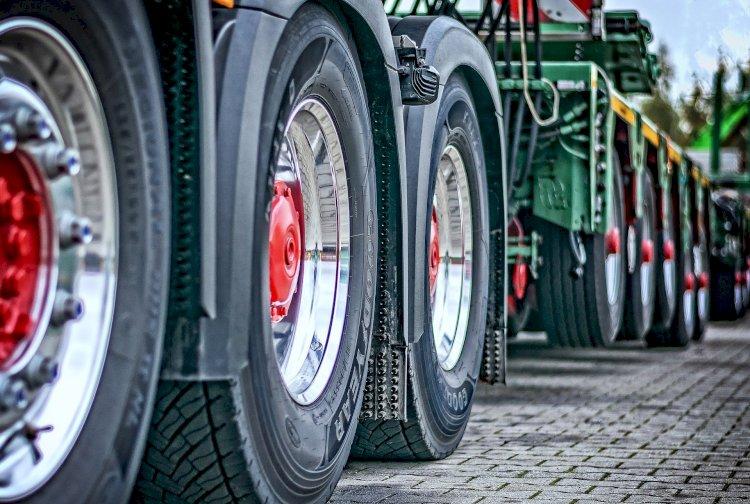 285 грузовиков застряли на пограничных переходах Казахстана
